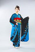 1055 青系 ブルー黒染め分け花柄前面写真