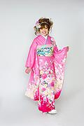 1573 ピンク系 裾赤リボン、桜、牡丹柄 tt-b118前面写真