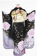 1649 黒系 ラメ入り紫の大きい薔薇柄 tt-b213背面写真