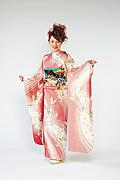 306 ピンク系 サーモンピンク蝶柄前面写真