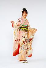 361 ピンク系 サーモンピンク花に舞う蝶の饗宴古典モダン柄 サムネイル
